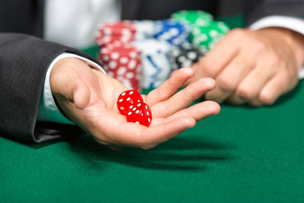 Jugar a los dados en el Casino