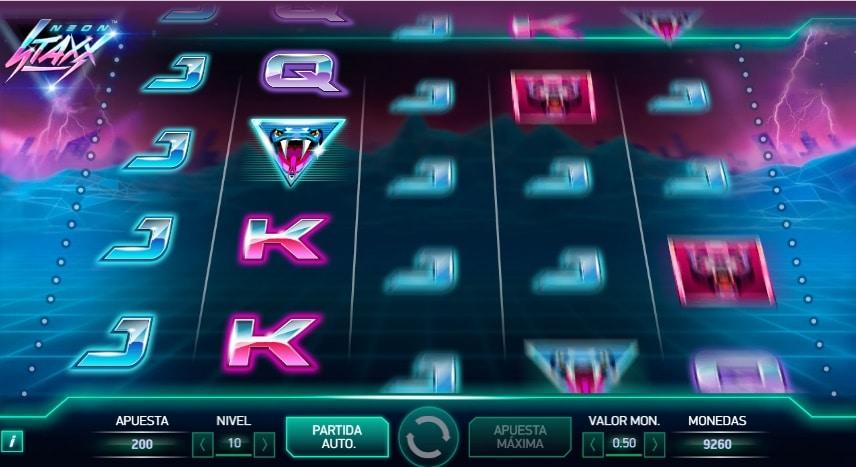 Neon Staxx jugando