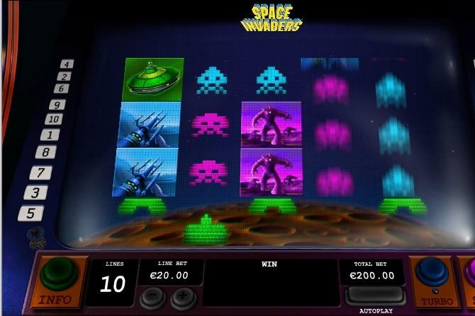 Space Invaders jugando